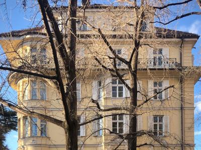 Referenzbild eines 12-Familienhauses in Freiburg im Breisgau ,das mit einem Verkehrswertgutachten bewertet und anschließend verkauft wurde