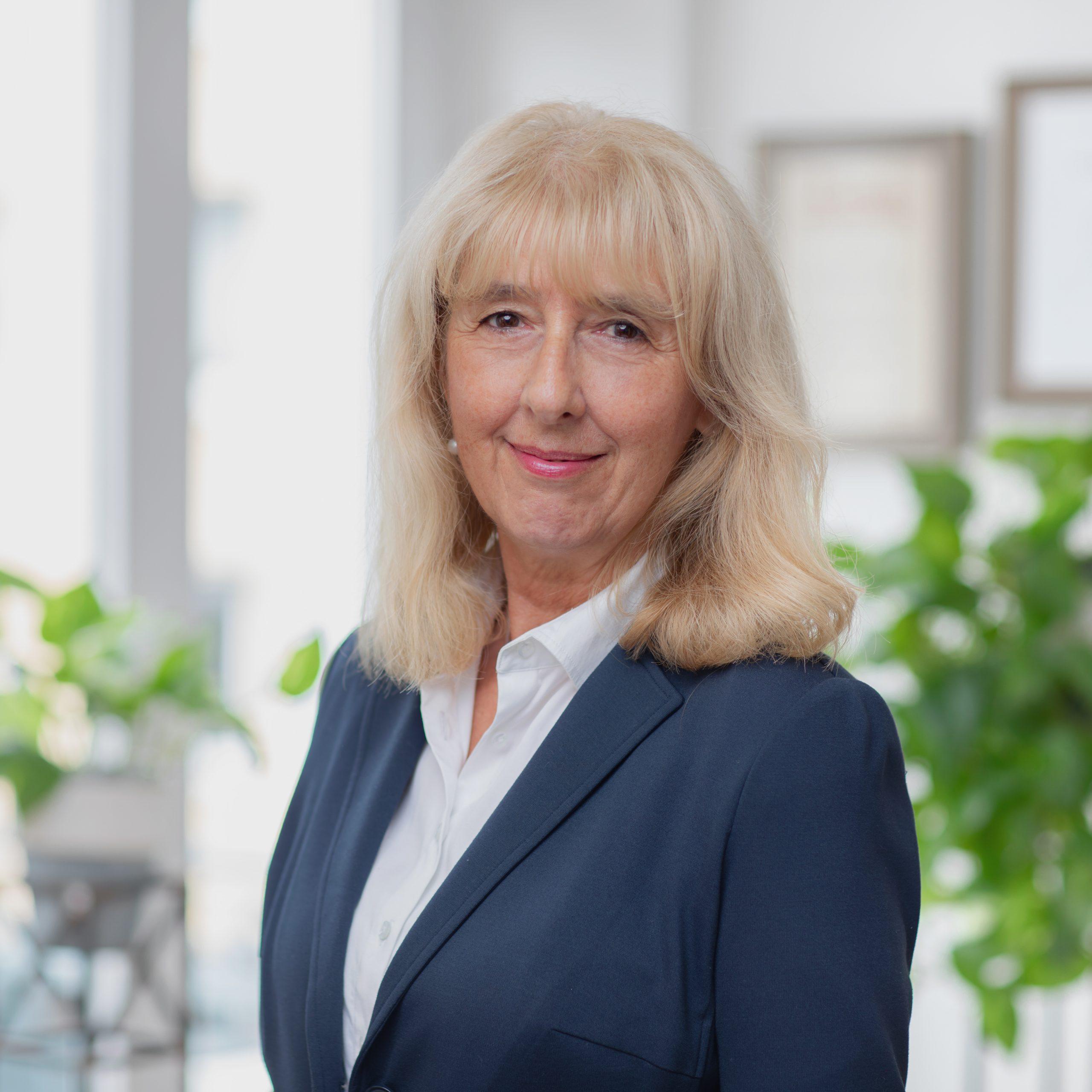 Mitarbeiterin Christa Bechtold